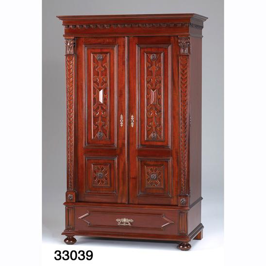 gro er englischer kleiderschrank kleiderschr nke englische m bel m bel chesterfieldm bel. Black Bedroom Furniture Sets. Home Design Ideas